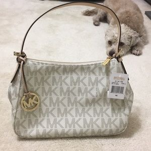 Michael Kors Jet Set Bag (Dog not included 🐶💕😂)